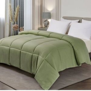 Blue Ridge King Color Down Alternative Comforter